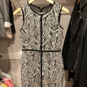 Ann Taylor Dress - it's stretchy!